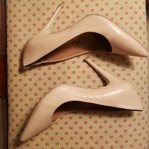 Nude 4in heels BCBG